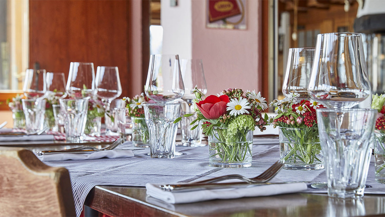 Feste feiern & Geschäftsanlässe abhalten | Wirtschaft Schönegg Wädenswil